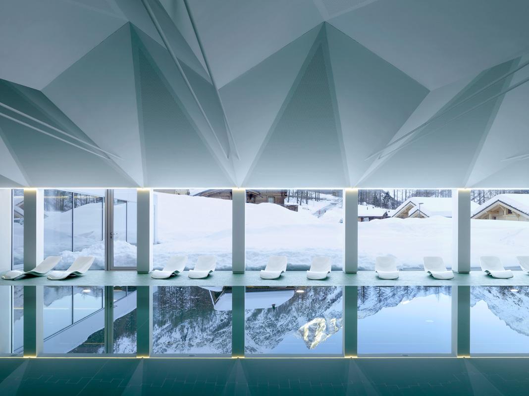 piscine de zinal - 2013 - cheseauxrey sàrl   ©Thomas Jantscher